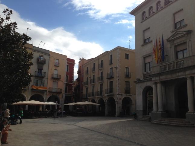 Plein voor het gemeentehuis van Figueres