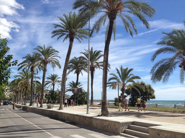 De boulevard in Sitges