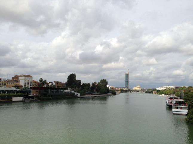 Uitzicht op de Guadalquivir en Triana sevilla