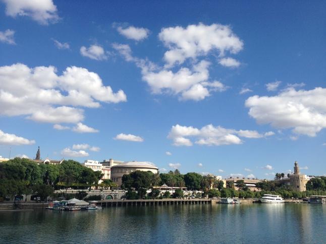 De Guadalquivir rivier in Sevilla