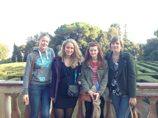 Ik, Tessa, Kerry, Susan doolhof horta barcelona