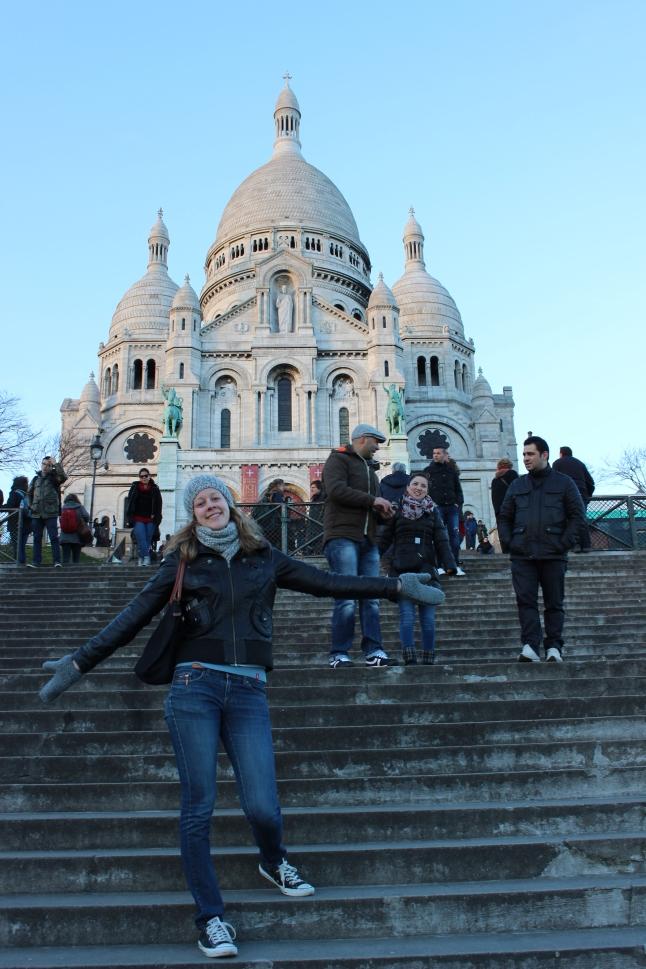 Op de trappen voor de Scaré Coeur in Parijs
