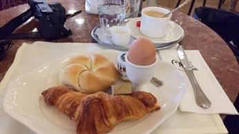 fruhstuck-wenen-cafe-central-vienna