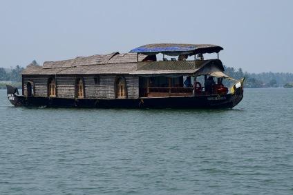 backwaters-kerala-kollam