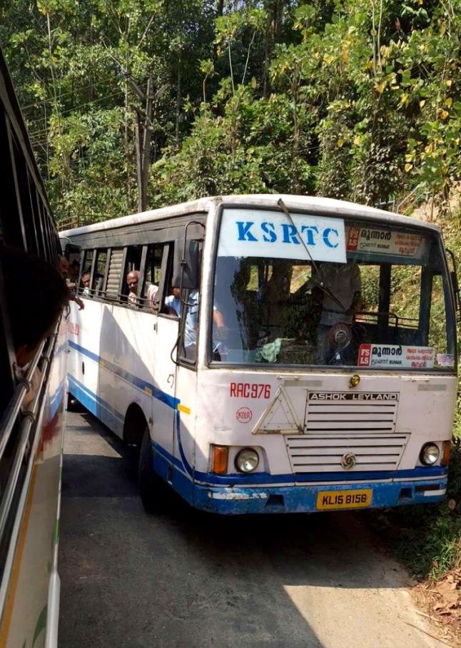 bus-munnar