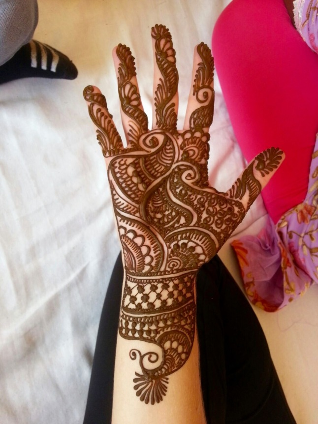 henna-mehendi-blonde-india
