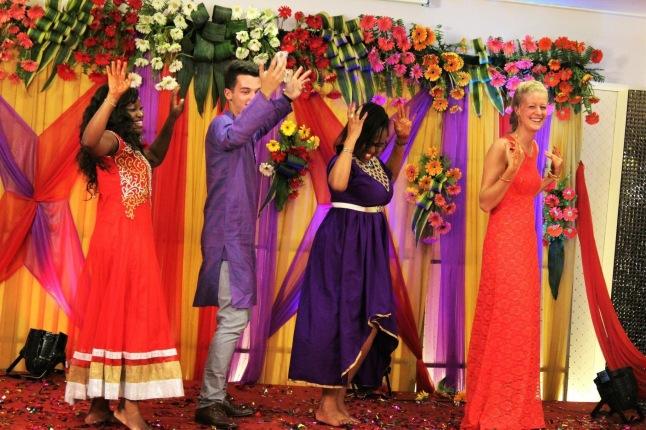 indian-wedding-blonde