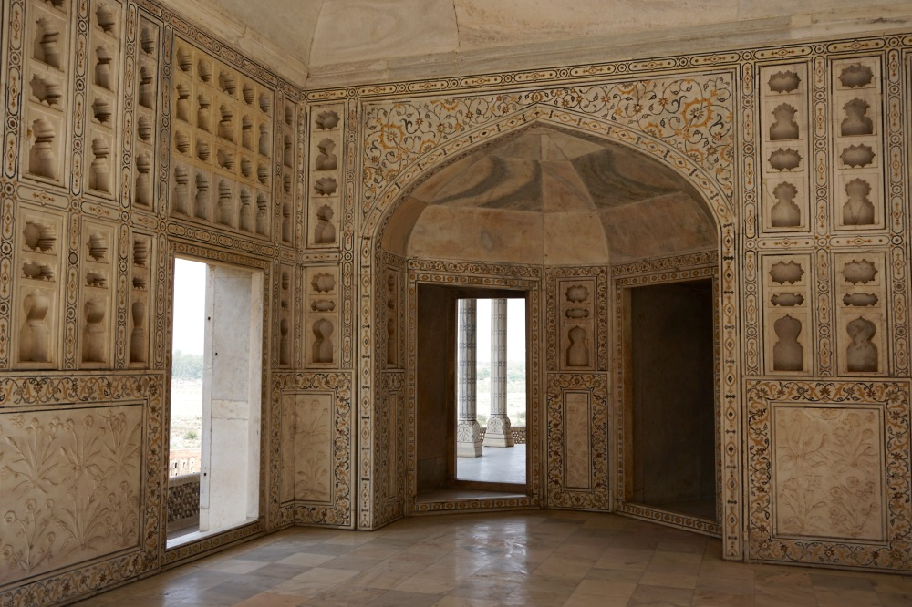 agra-fort-delhi-india