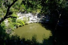 chichen itza yucatan cenote